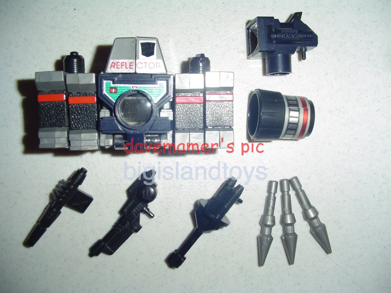Transformers Generation One G1 1985  ReflectorMail Away