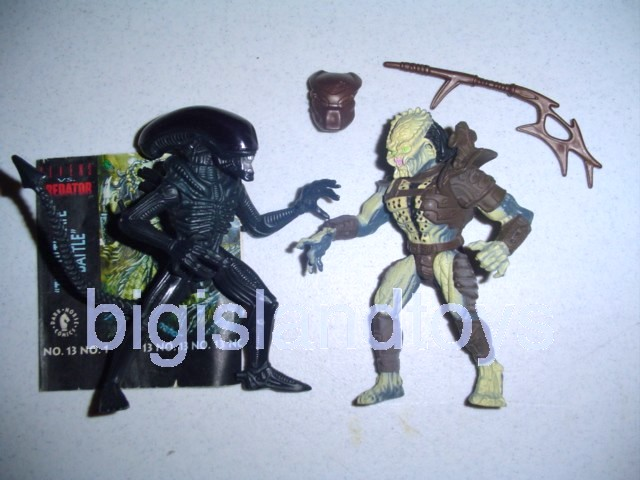 Aliens    Warrior Alien vs Renegade Predator 2 pack