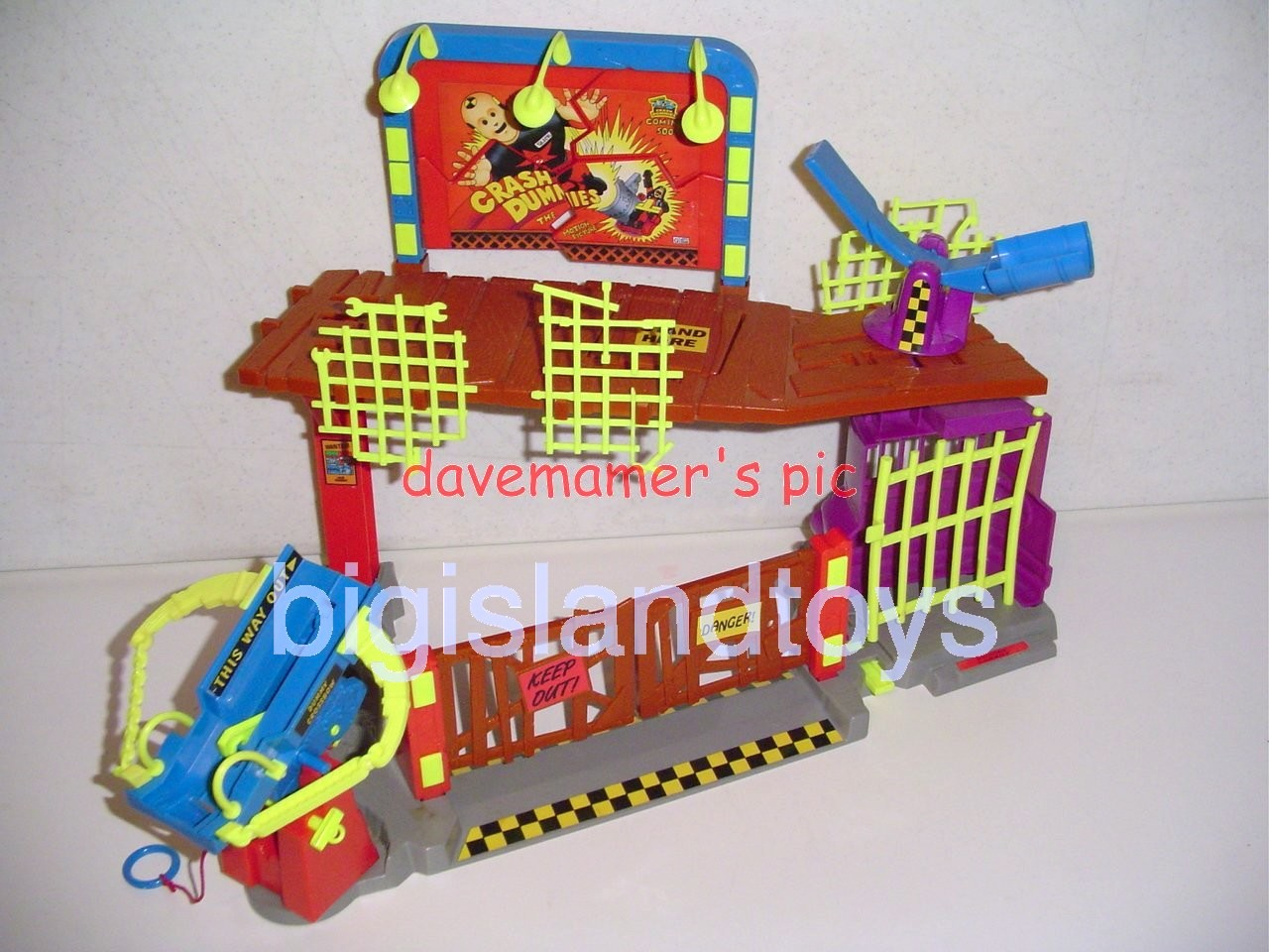 Crash Dummies    Junkyard Playset