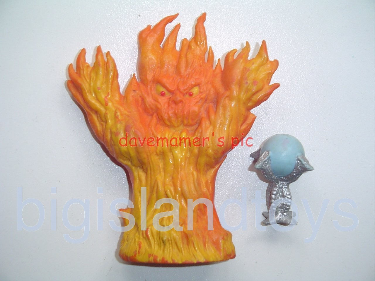 Advanced Dungeons & Dragons PVC Figures   FIRE ELEMENTAL & Crystal Ball treasure