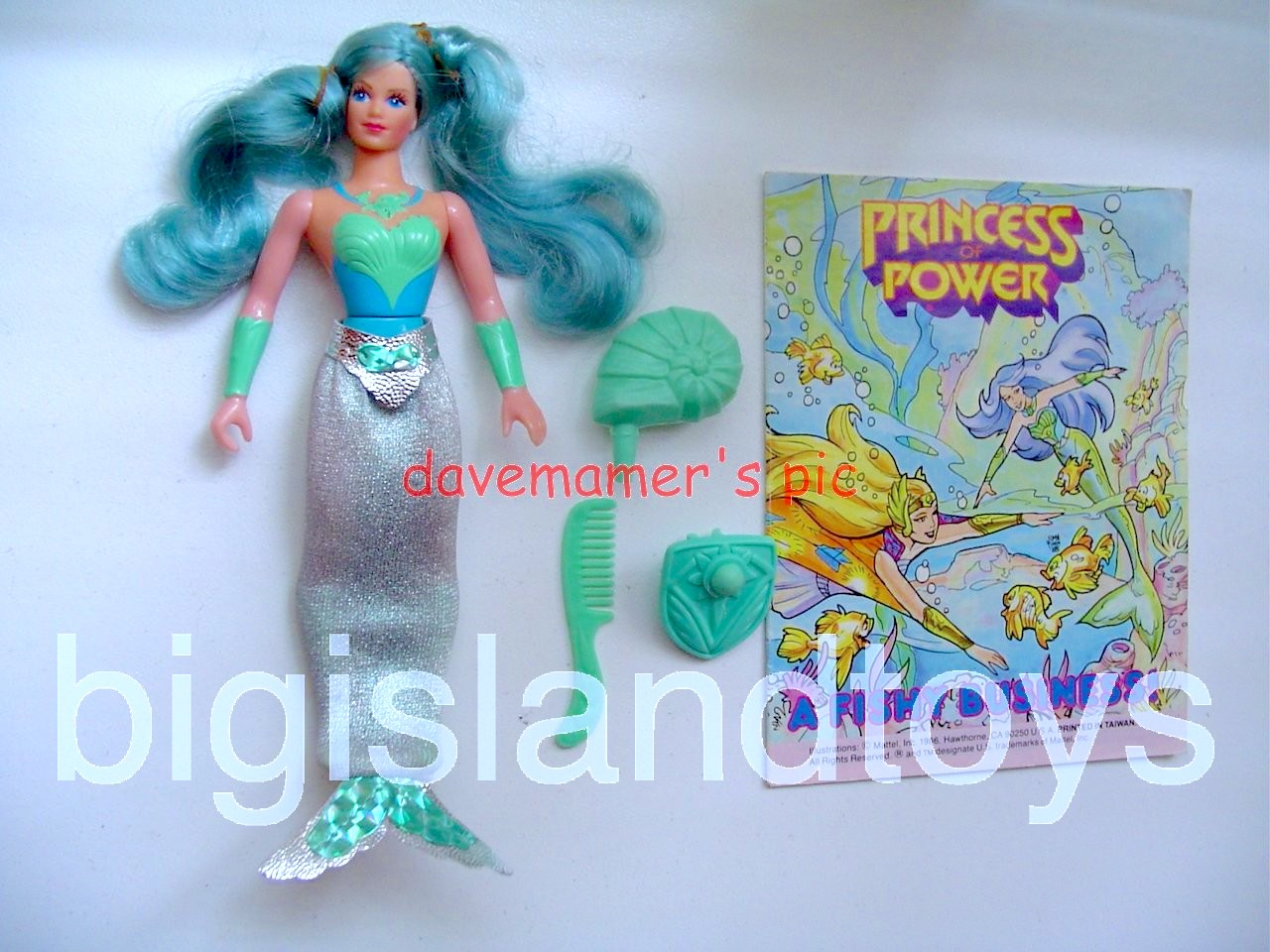 Princess of Power Action Figures   MermistaLight Suit