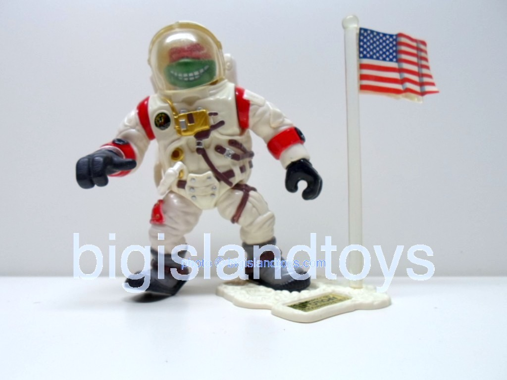 Teenage Mutant Ninja Turtles 1994 Figures   APOLLO 11 RAPH