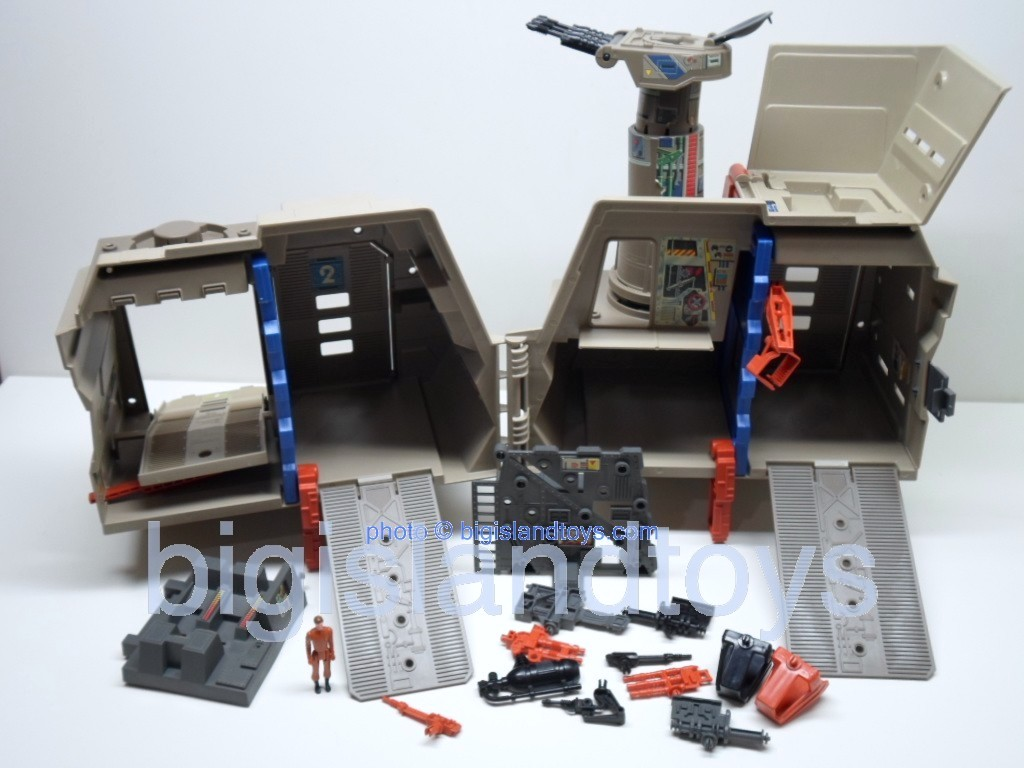 Wheeled Warriors Lightning League   Battle Base Playset